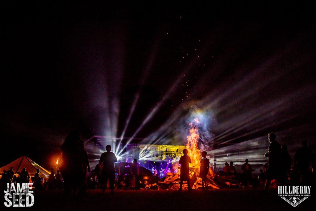 night-crowd-jamie